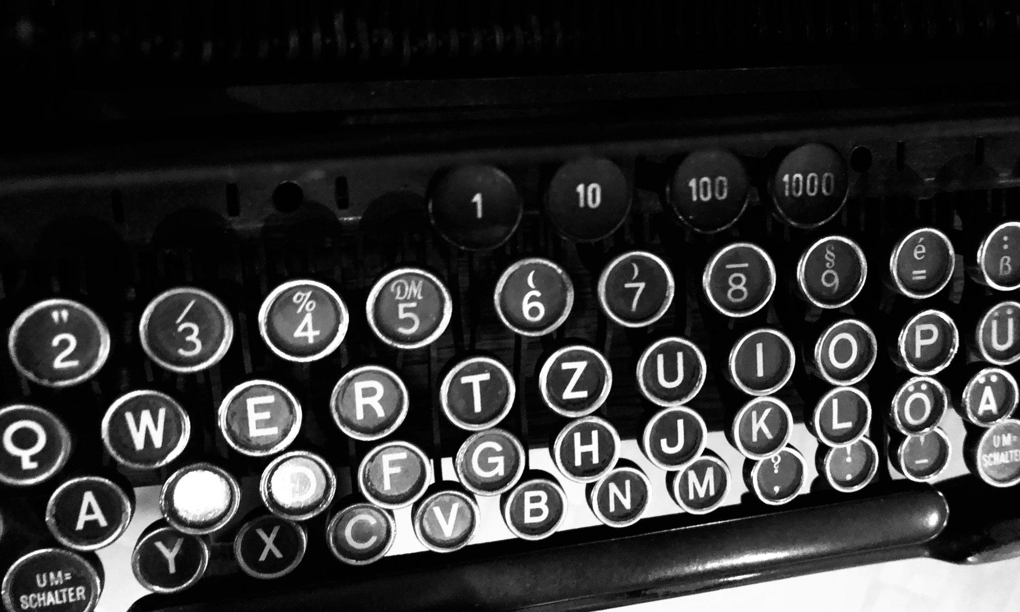 Tastatur einer alten Schreibmaschine